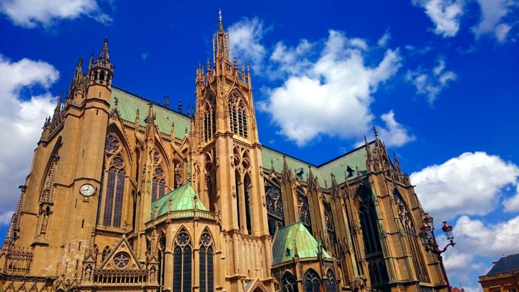 Jakobsweg Wald WanderVeg Domibility Metz Kathedrale Pause